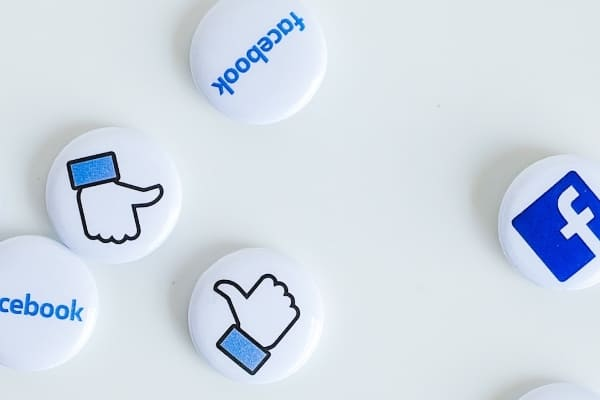 Facebook広告運用代行